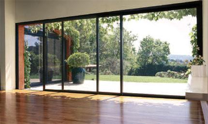 Fen tre en aluminium sur mesure coulissante ae v randa - Fenetre coulissante pour veranda ...